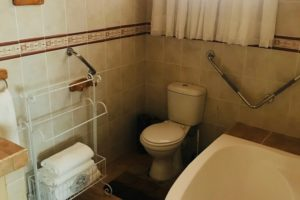 room 9 bath